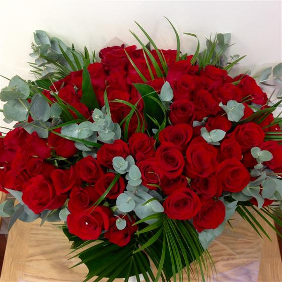 Romantic Ultimate 100 Red Roses Bouquet